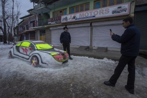 Cold Wave Returns To Kashmir After 3 Day Snowfall