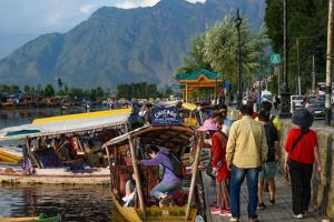 COVID-19:  Shadow Looms Large Over Kashmir's Tourism