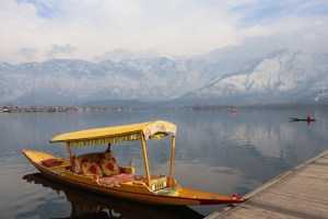 Sunny Day In Kashmir Ahead Of Fresh Snow Spell