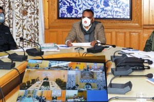 Trace Absconding Travelers On War Footing Basis: Div Com To DCs