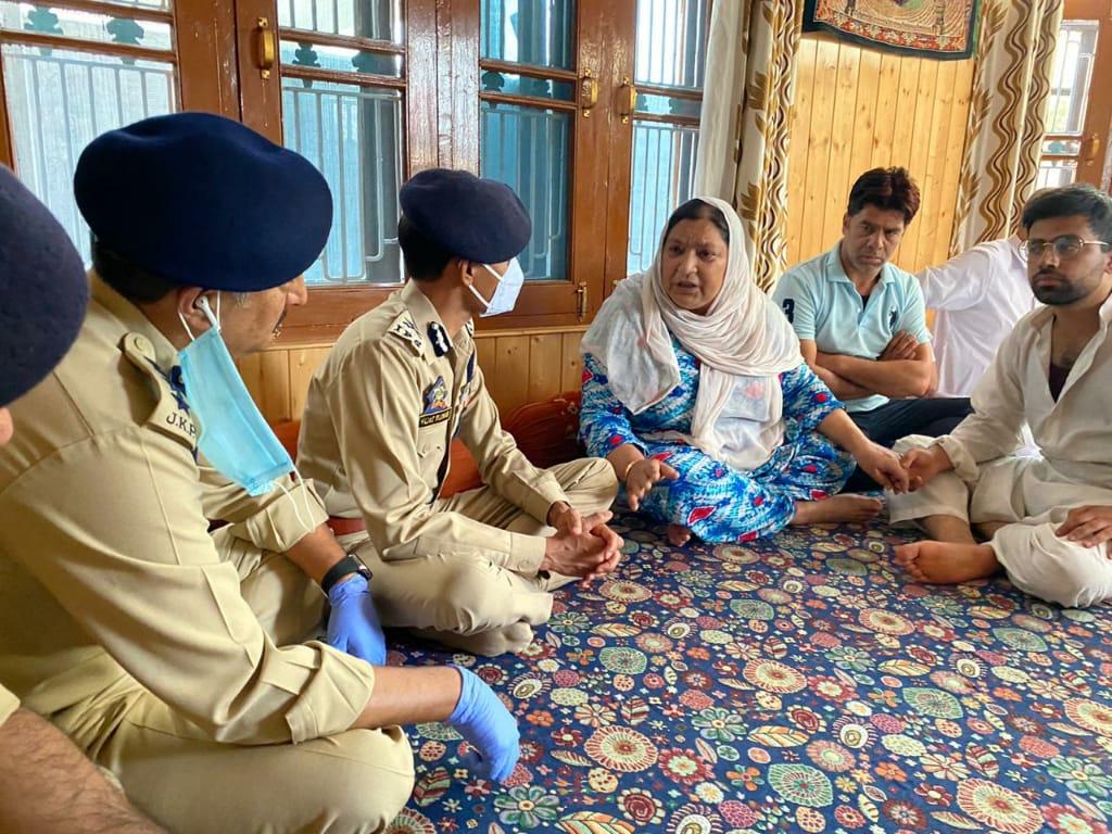 IGP Visits Slain Civilian's Family, Assures 'Impartial Investigation'