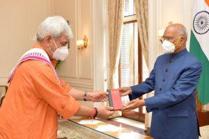 J&K LG Sinha Calls On President