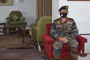 GOC Briefs LG On Kashmir Situation