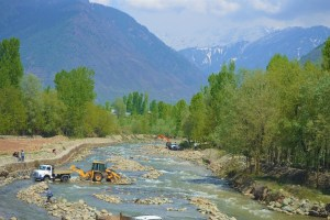 In Kashmir, Locals Struggling to Get Industrial Contracts