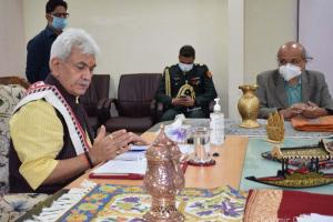 Govt Signs Pact With E-Commerce Giant To Promote Kashmir Crafts
