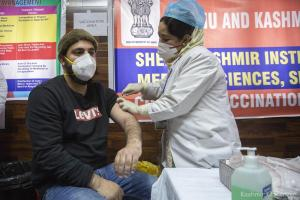Kashmir's 83% Healthcare Workers Opt Out Of Covid-19 Vaccine: DAK