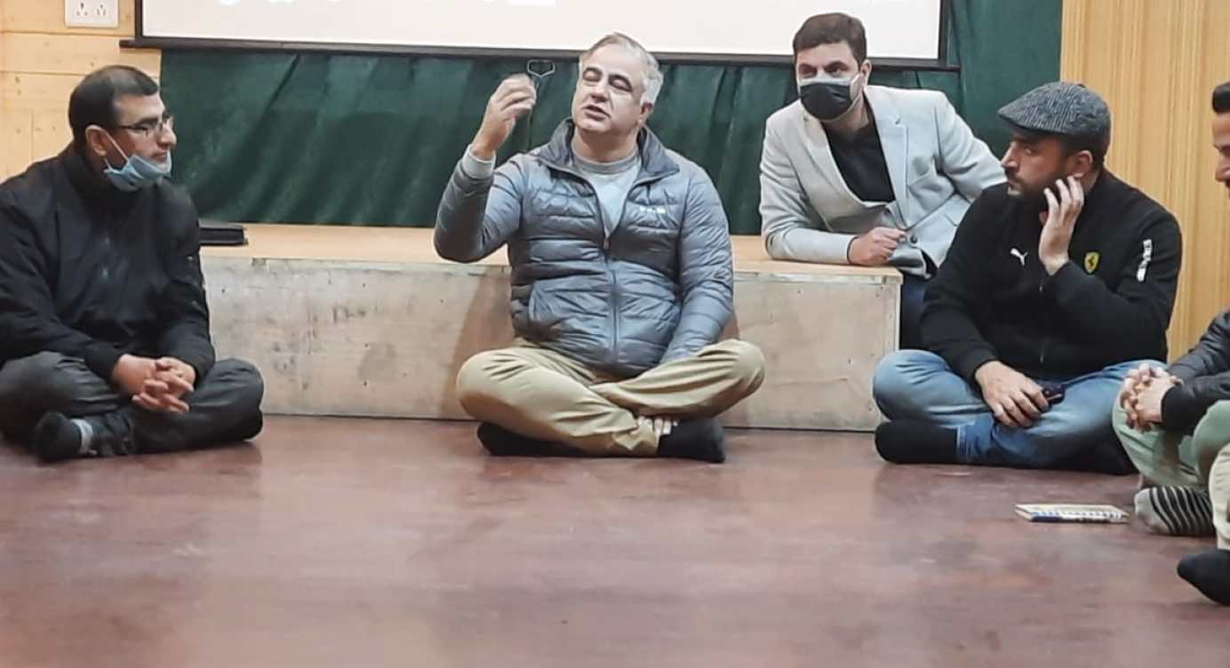 Two-Day Workshop On 'Present Day Theatre In Kashmir' Concludes