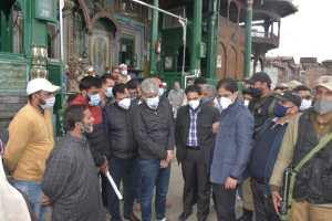 After Outrage, City Mayor Visits Khanqah-i-Mualla, Assures Action