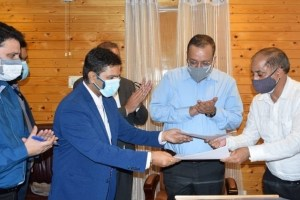 J&K Signs MoU With Go-Airlines For Transportation Of Perishable Fruits