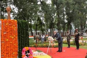 Prez Kovind in Srinagar, Reviews Security Situation