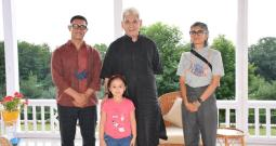 LG Discusses Film Policy With Bollywood Superstar