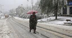 Snowfall, Heavy Rains Wreak Havoc In Kashmir
