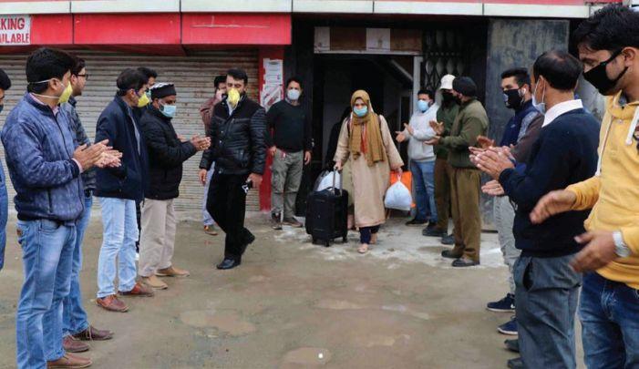 236 more walk home after completing quarantine period in Srinagar