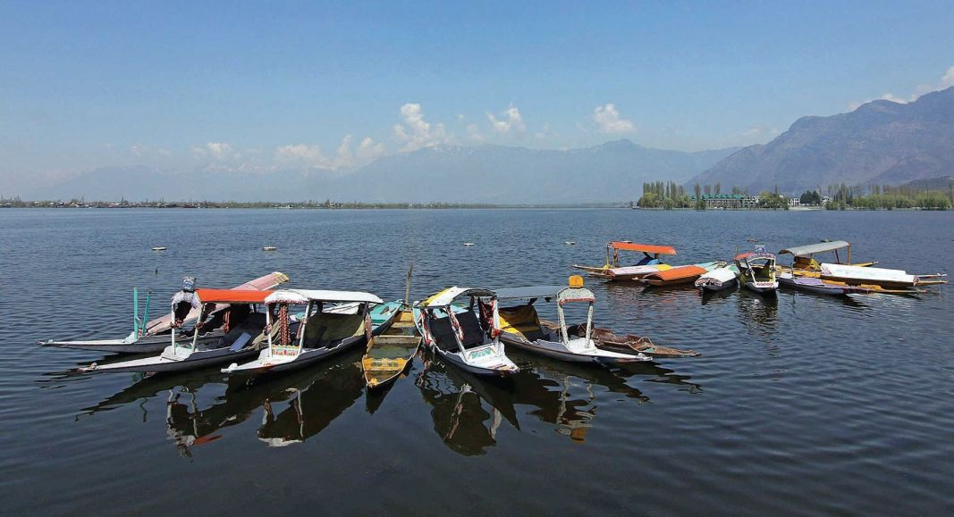 Amid lockdown, Shikaras remain anchored at Dal lake