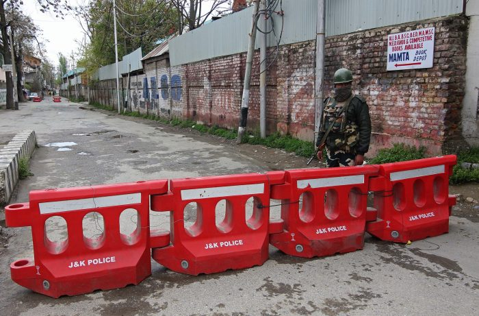Lockdown ordered in 88 containment zones in Srinagar