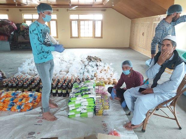 Idara Auqaaf Islamia Pampore provides food stuff, medicine to needy