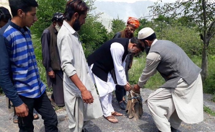 Gujjar settlement in Khrew without water, road