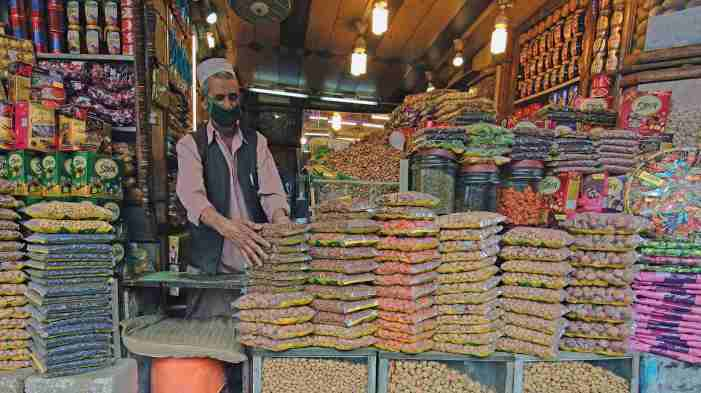 Shops opened in Srinagar after three months Covid lockdown
