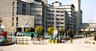 SKIMS to increase timings for OPD, fees counters after public pressure