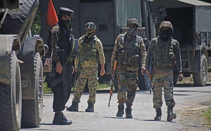 2 LeT militants surrender during Kulgam gunfight