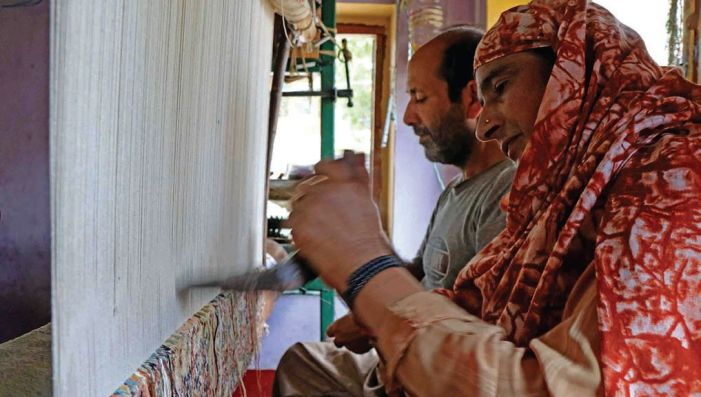 National Handloom Day mocks Kashmiri artisans out of work since August last