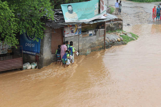 Incessant rains continue in Jammu