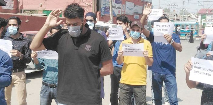 Horticulture graduates protest,seek preference in related government jobs