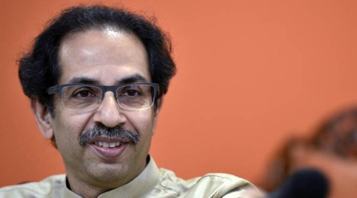 Sena says govt giving control of farmers' lives to traders and private players