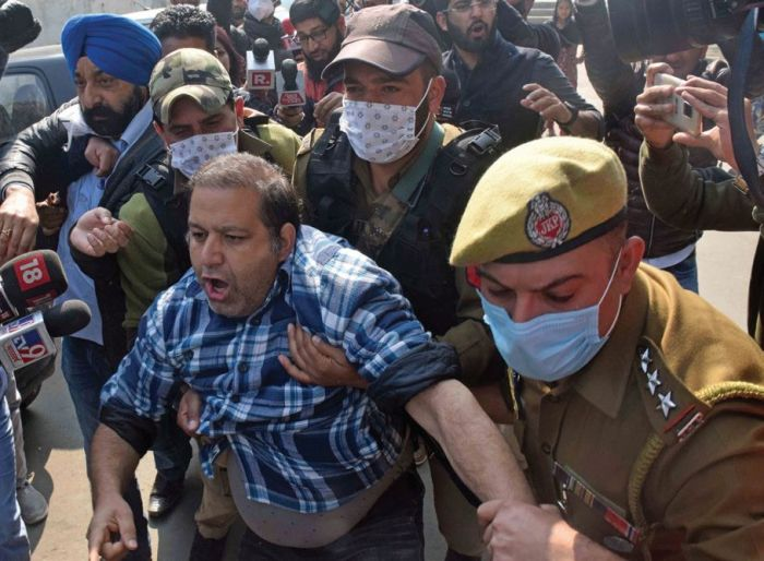 Police foils PDP protest in Srinagar, several leaders detained