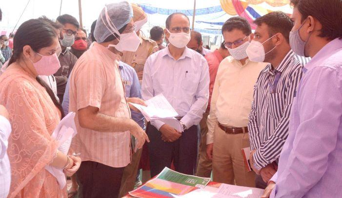 Govt sets up special camps for Kashmiri migrants to register for welfare schemes