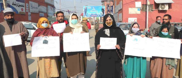 Advocate Babar Qadri murder case: Families of two arrested persons hold protest, say they are innocent