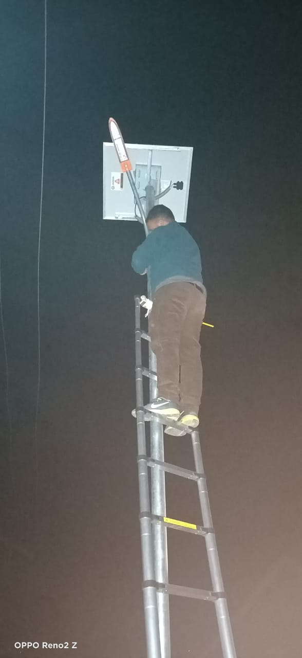 Reader Impact: Authorities repair streetlights at Hajin town in Bandipora