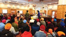 Members of Sikh community pay obeisance a Gurdwara in Srinagar on birth anniversary of Guru Gobind Singh