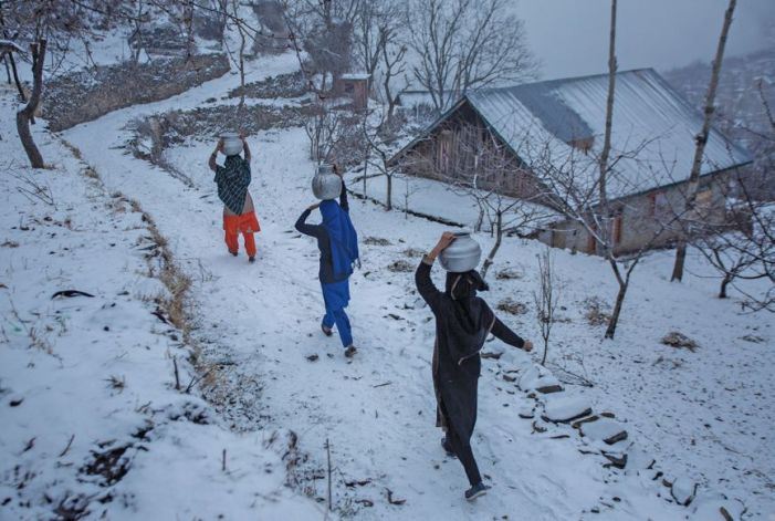 Some respite from cold wave in Kashmir as min temp rises