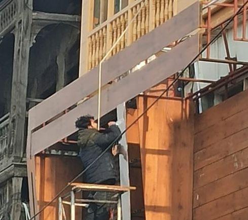 SMC officer seeks demolition of illegal 6-storey building at Hari Singh High Street