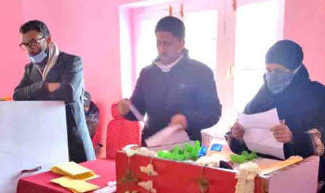 Sarpanches, Panches, Councilors administered oath at Shopian, Kulgam, Baramulla