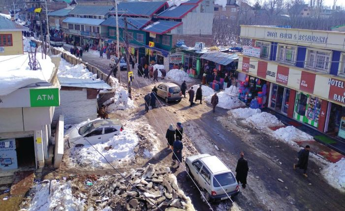 Snow clearance found wanting again in Shopian