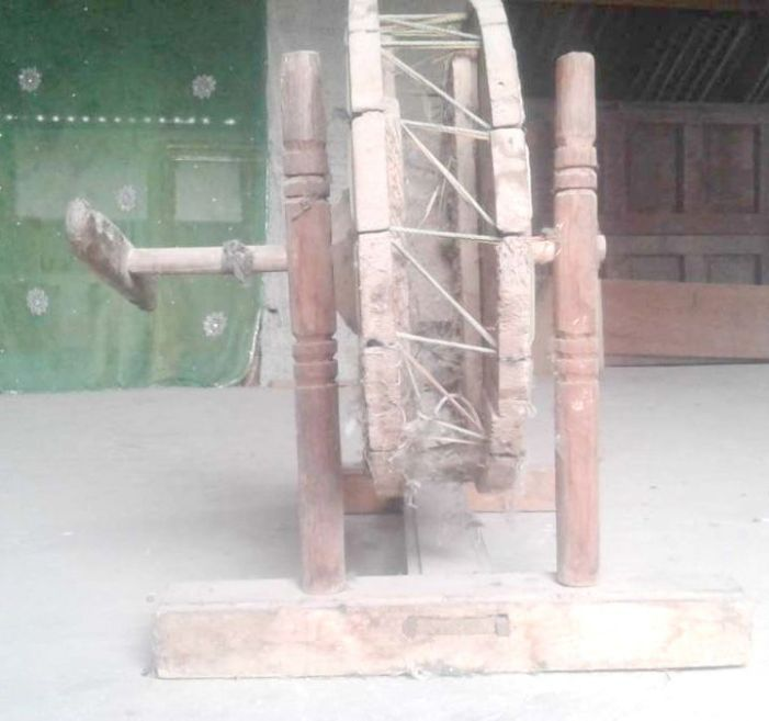 Yender, the Kashmiri spinning wheel