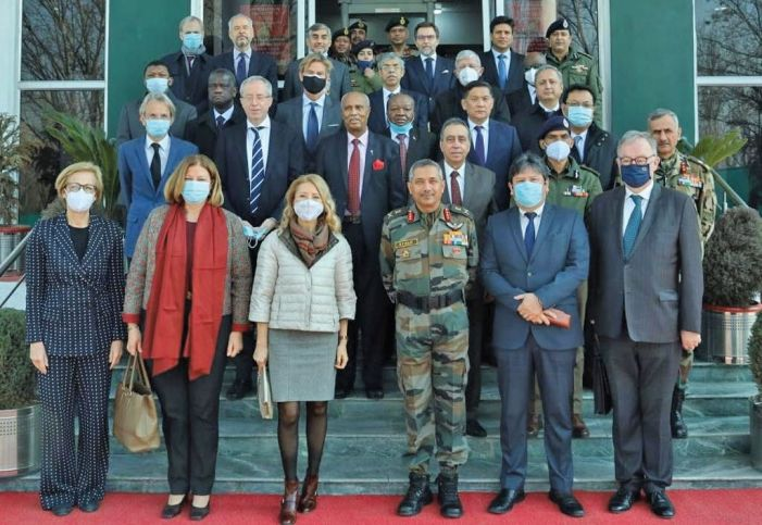 Army briefs envoys about situation
