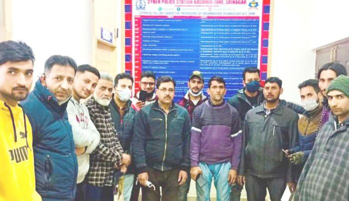 Cyber Police Station Kashmir recovers missing phones worth lakhs