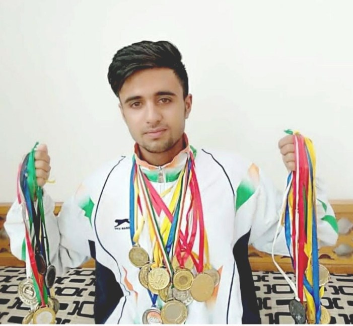 Kashmir's young ice-skating champ couldn't afford skates, would practise in Gulmarg in dead of winter