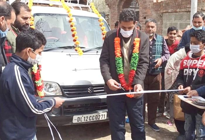 Govt teachers buy van for far-flung students