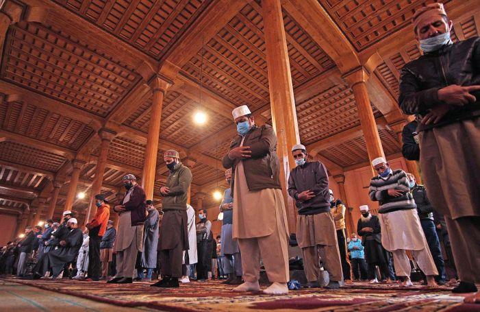 Waqf Board appeals people to avoid gatherings at mosques, shrines