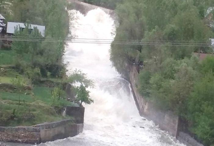 Unfenced LJHEP water canal threat to local population of Boniyar Uri