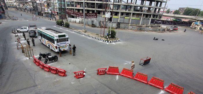 Shuttered shops, deserted roads mark August 15 in Kashmir
