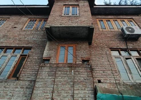 TeH removes sign board from its Hyderpora office