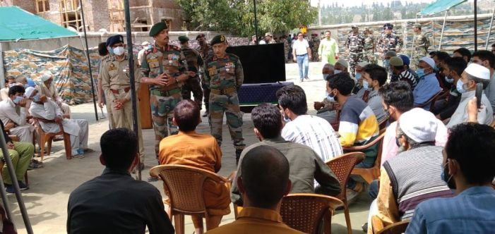 Top army, police officers meet families of active militants