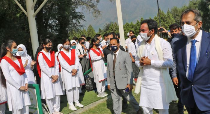 Tourism Minister e-inaugurates several projects in Srinagar