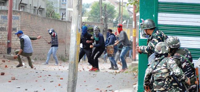Clashes erupt in Bijbehara following funeral of slain militant