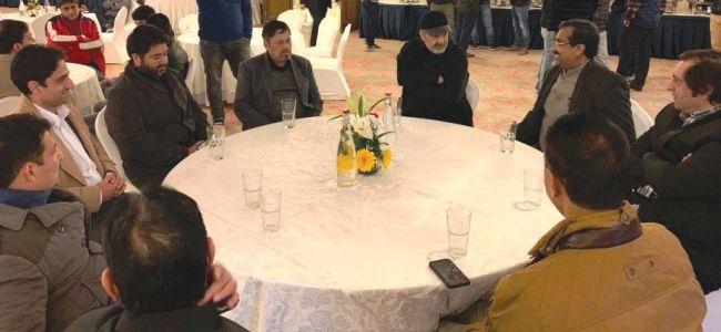 Ram Madhav meets Sajjad Lone, Ansaris